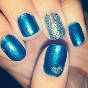 Blue and Silver Glitter Nails!