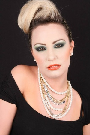 http://barbara-makeup.book.fr