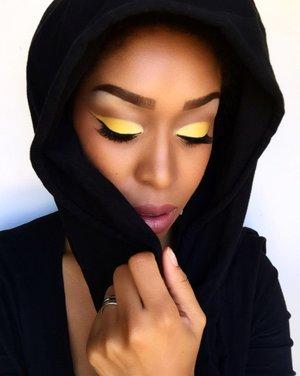 🍋LimońCello- I used @bhcosmetics 2nd palette eyeshadow, @nyxcosmetics vivid white eye primer, @maccosmetics NC45 concealer, foundation, and setting powder, and blush in razin, Used @jordana_cosmetics lip pencil in coco and @maccosmetics  lipstick in high tea