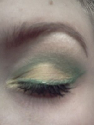 Green and yellow. Glamour Doll eyes.