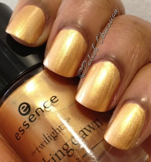 A gold polish I actually like!  http://www.polish-obsession.com/2013/02/essence-piece-of-forever.html?m=0