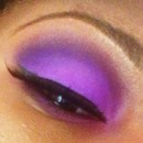 Plum Eyeshadow - white light