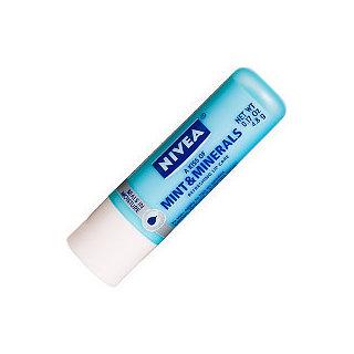 Nivea A Kiss of Mint and Minerals Lip Care