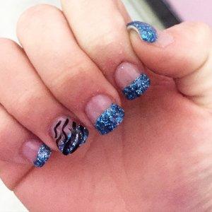 Nail day @ashley_brooke_beauty 😘💅🏼 #artpro#nails#nailart#glitternails#zebranails#glitterfun#artnails#prettynails#fashionnails#prettynails#designernails#gorgeousnails#inspire#beauty#ashleybrookebeauty#inspire