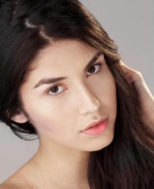 Countouring and basic makeup.   Model: luiza gomez /Athenea Modelos.  Makeup: Lina Toro. Photo: Mariano Restrepo.