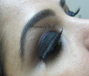click here for tutorial http://www.srinjla.com/2013/10/30-days-eye-makeup-challenge.html#.Ul1xyBaXulI