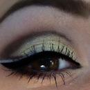Gold-Brown makeup